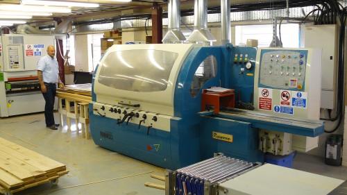 Wood preparation machine for oak